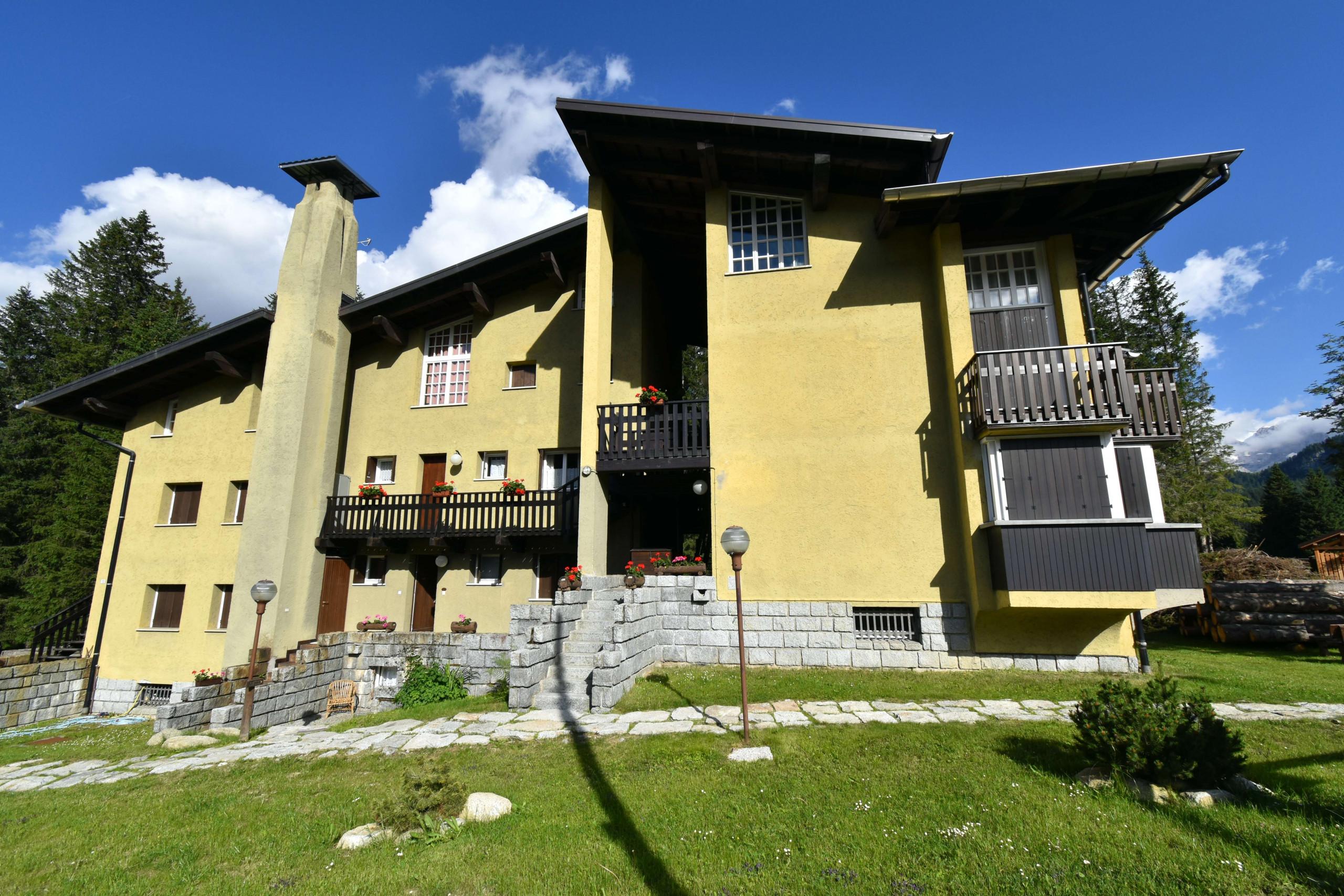 Campo Carlo Magno Appartamento - Appartamenti in Madonna ...